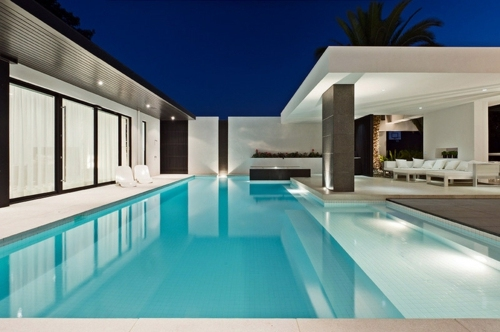 10 stunning ideas for your swimming pool interior design for Knebel design pool ug
