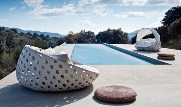 Designer outdoor furniture canasta collection from b b for B b outdoor