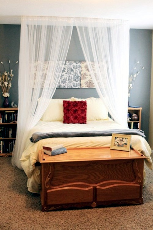 33 amazing white canopy bed design for your bedroom for Easy canopy bed ideas