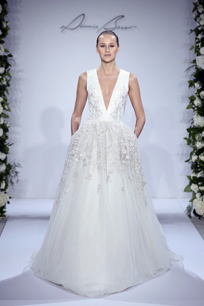 Designer wedding dresses the latest trends in bridal for Current wedding dress trends