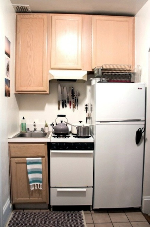 Wonderful examples for compact kitchens designs for Small kitchenette ideas