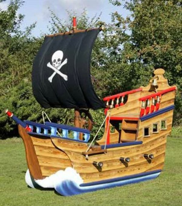 a cool game tower pirate ship for your kids interior design ideas avso org. Black Bedroom Furniture Sets. Home Design Ideas
