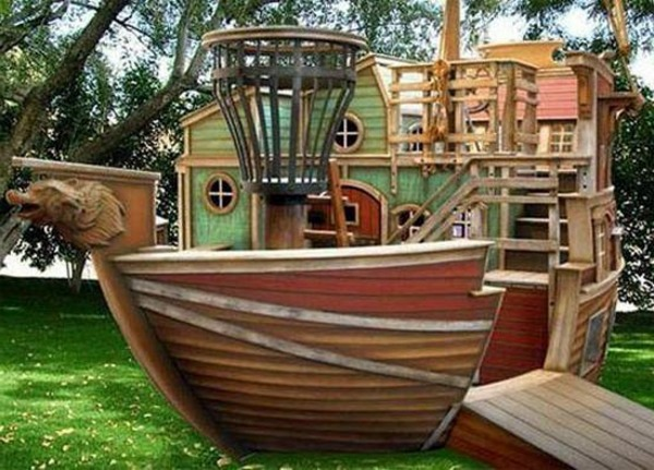 A cool game tower pirate ship for your kids