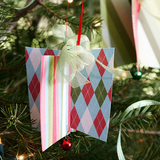 Christmas decoration made of paper 18 cool creations for yourself christmas decoration made of paper 18 cool creations for yourself solutioingenieria Image collections