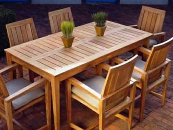Catering outdoor furniture eat in harmony with nature for Wooden garden furniture