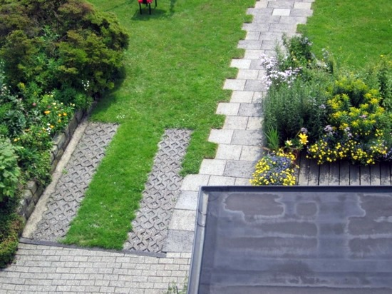Lawn And Driveway Pavers Front Garden Design