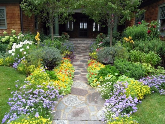 Front Garden And Driveway Design   Practical Garden Design Ideas