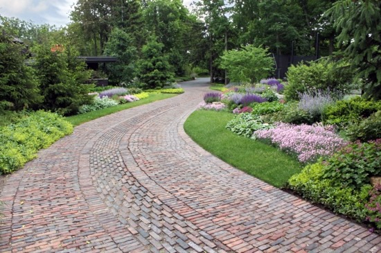 Front Garden And Driveway Design – Practical Garden Design Ideas