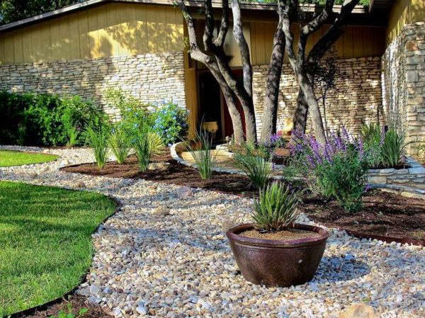Landscaping with gravel and stones 25 garden ideas for Backyard landscaping ideas with stones