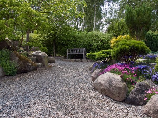landscaping with gravel and stones 25 garden ideas for. Black Bedroom Furniture Sets. Home Design Ideas