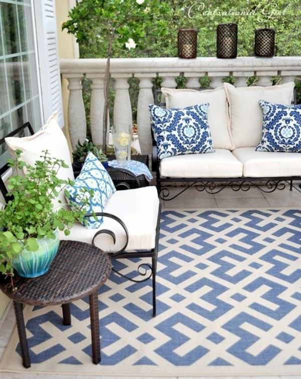 A Colored Carpet Will Refresh Your Terrace Balcony