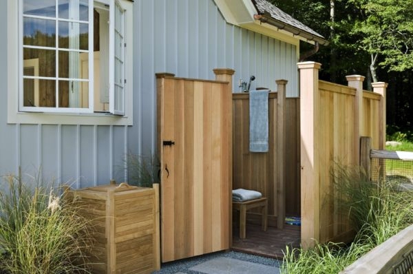 Build shower itself - cool DIY Garden Shower from Euro pallets