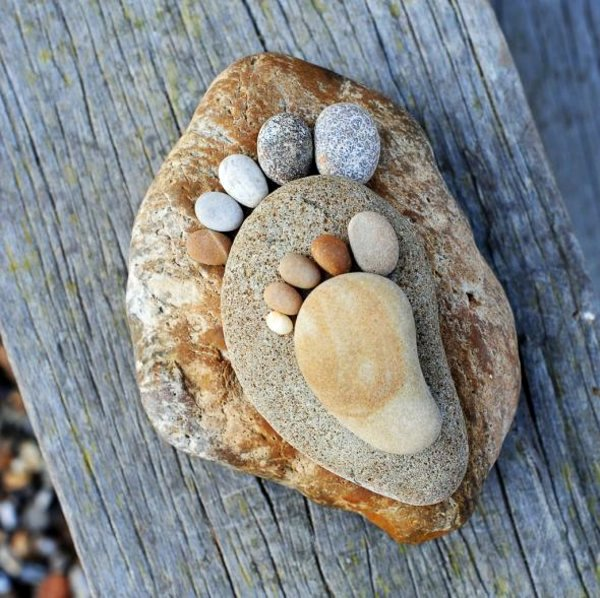 Garden decorations stone feet are great Sommerdeko – Garden Decorative Stones