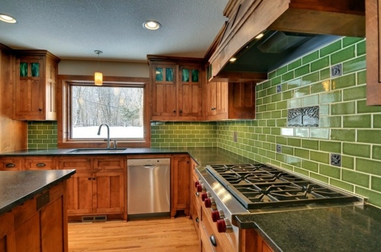 Colors for kitchen walls 15 great backs in green shades for Green and brown kitchen ideas