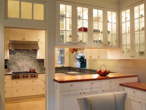 "a flexible kitchen design – open floor plan with a ""close it off"