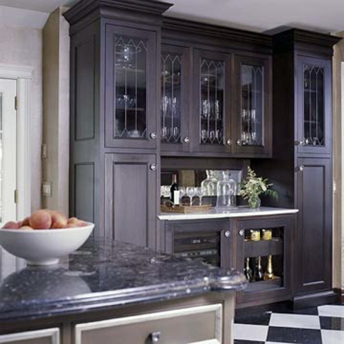 Useful ideas for the drinks bar at home interior design for Built in drinks cabinet