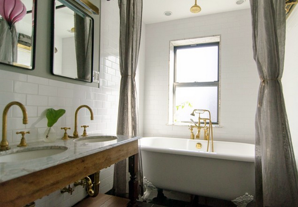 The Main Bathroom Also Displays Colorful US Facilities Decorative Items For  Interior Design Ideas With Chrome Hardware