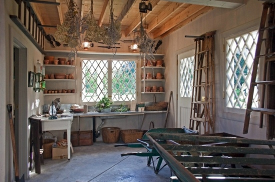10 Reasons Why You Should Build A Garden Shed Interior