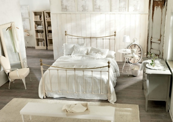 An Old Wooden Column Gorgeous Bedroom Design With Natural Flair