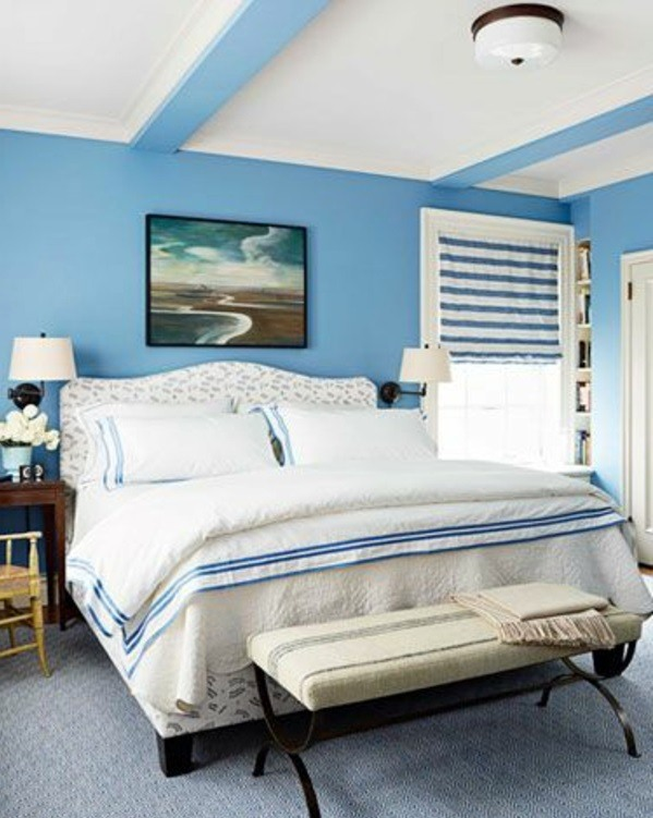 Bright blue in the bedroom Powder Blue wall paint - water-colored interior