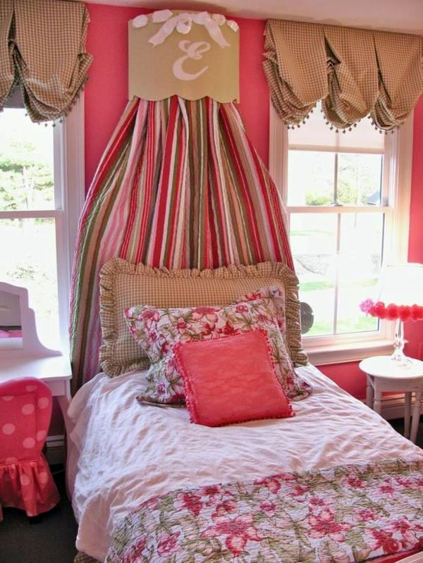 30 Curtains Decoration Examples   Dress Up The Windows Creative