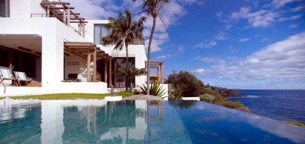 Beach House With Infinity Pool Offers Stunning Views To