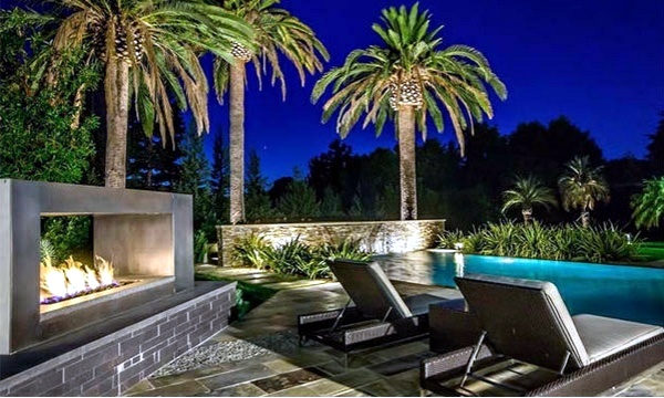 Relax lounge chair by the pool area 15 ideas for modern lounge furniture interior design - Extraordinary and relaxing rooftop pools ideas ...