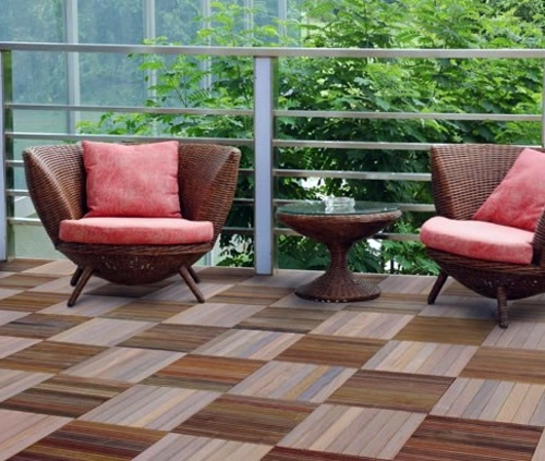 Lay patio and balcony with wooden tiles use wood tiles for Terrace flooring