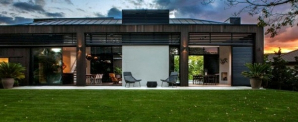 Modern house with sustainable design in new zealand for Modern house designs nz