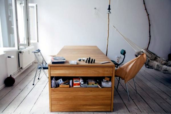 15 convertible furniture for small spaces interior for Convertible desks for small spaces