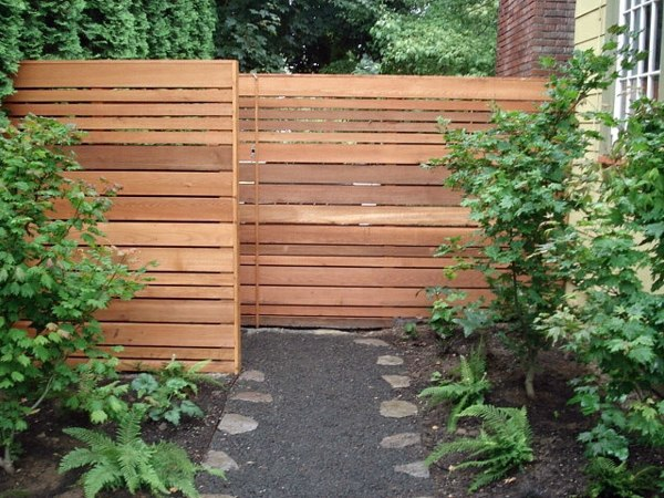 Wooden Screen How Can One Create His Front Garden Design Modern