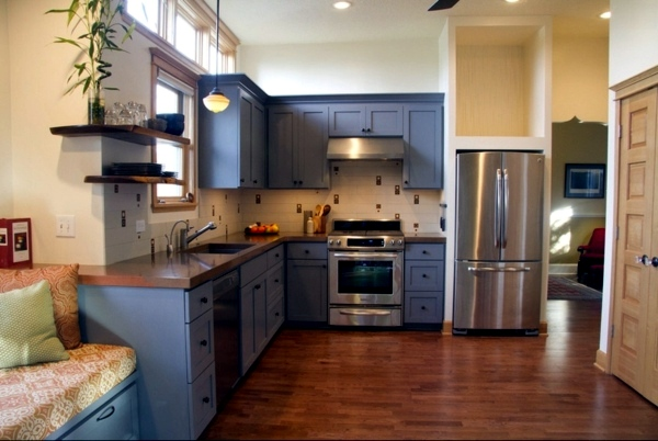 find out more about the color scheme of your boring kitchen