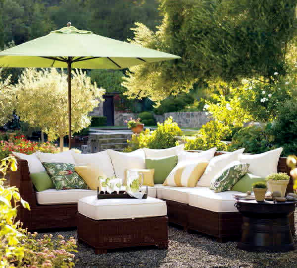 Ideas for garden furniture the seating area in the garden for Garden ideas for patio areas