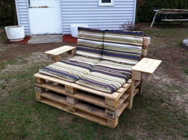 diy furniture from euro pallets 101 craft ideas for wood pallets interior design ideas. Black Bedroom Furniture Sets. Home Design Ideas