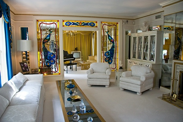 Gentil Painted Glass In Interior Design Wohnideen   Glass Painting At Home    Colorful Glass Embellishment Than The Interiors