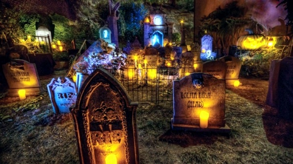 Halloween party decoration in garden interior design - Faire des decorations d halloween ...
