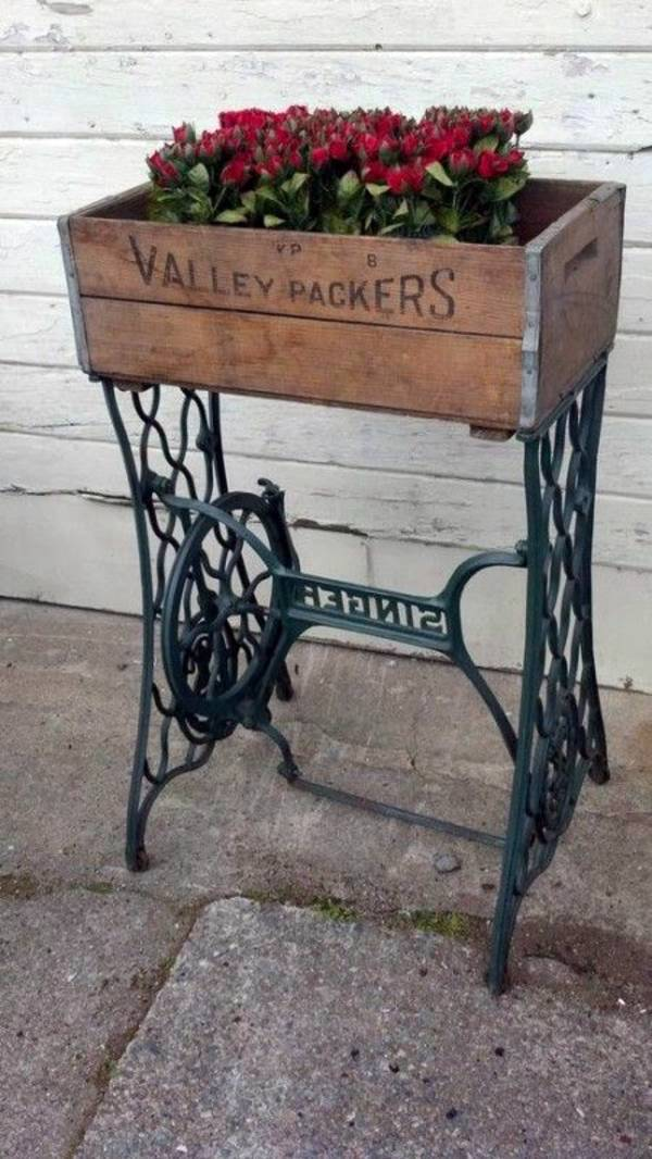 Redesign old furniture use the old sewing machine as vintage furniture interior design ideas - Four ways to repurpose an old sewing machine ...
