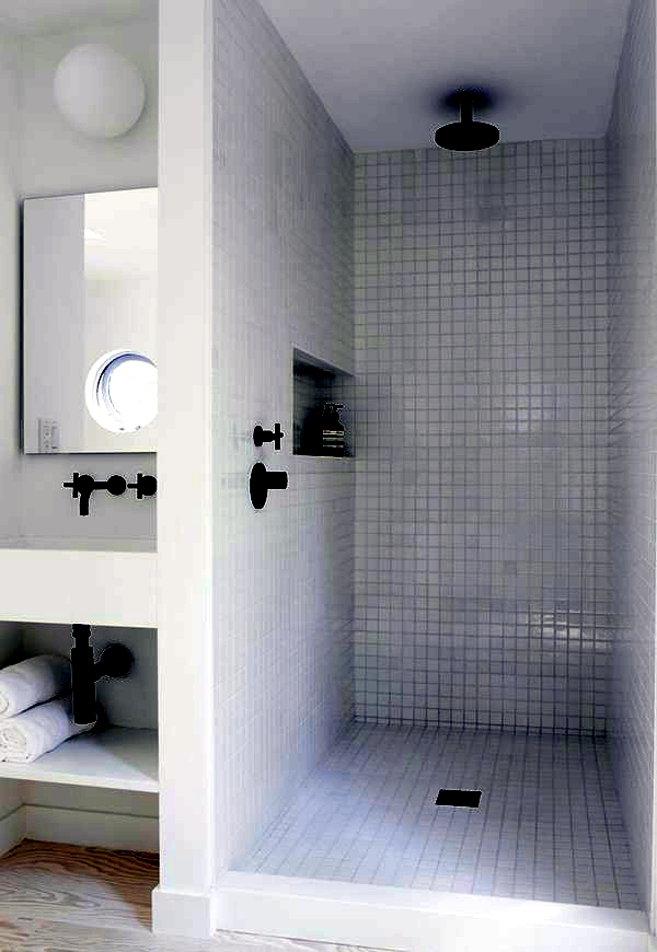 Small bathroom tile - bright tiles make your bathroom appear larger