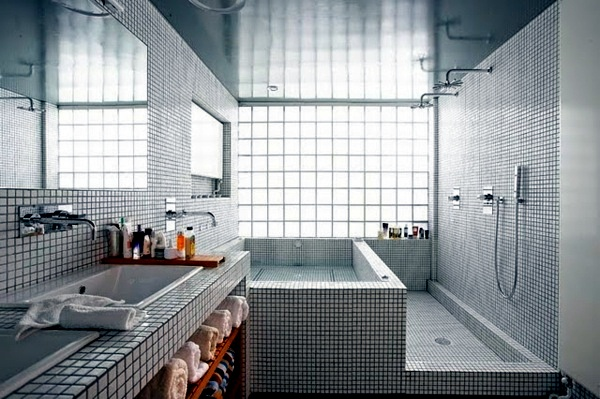 Fliesen - Small bathroom tile - bright tiles make your bathroom appear larger
