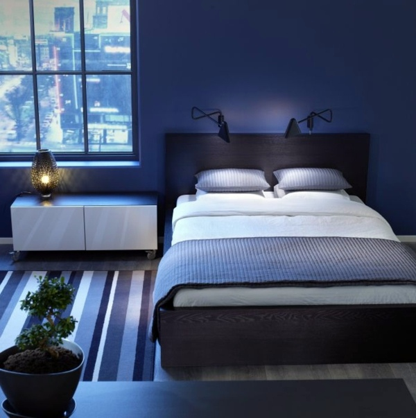Bedroom wall design thematic bedroom design and wall for Bedroom ideas royal blue