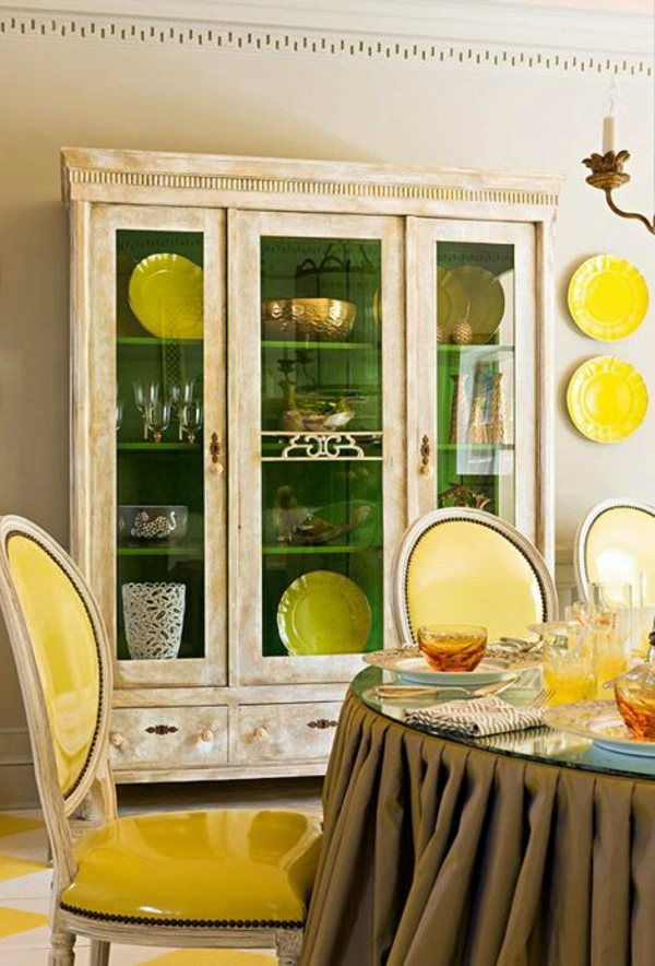 Table Decoration In Green And Yellow Colors For A Festive Mood