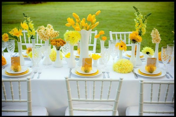 Yellow Mood table decoration in green and yellow colors for a festive mood