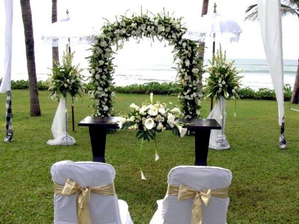 Beautiful decorating ideas for extravagant wedding decoration a spring wedding beautiful decorating ideas for extravagant wedding decoration junglespirit Gallery