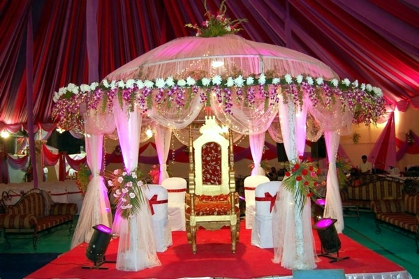Beautiful decorating ideas for extravagant wedding for Wedding interior decoration images