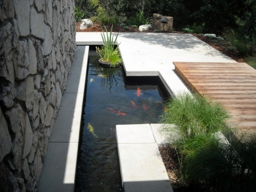Gartengestaltung - Creating a koi pond in the garden - typical extra for the Asian and tropical-inspired ambiance Garden & Plants