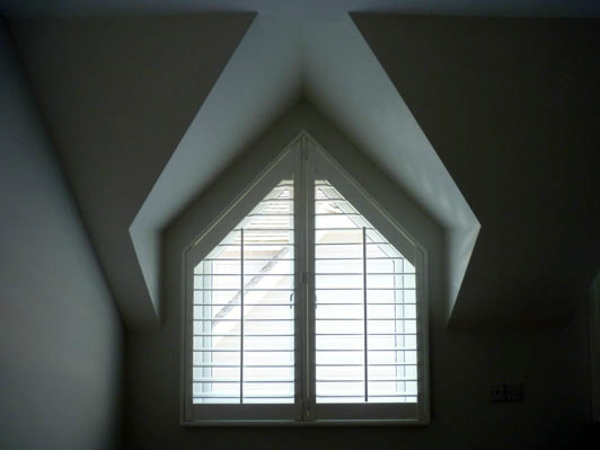Triangular Windows Darken Window Blinds Or Window Films