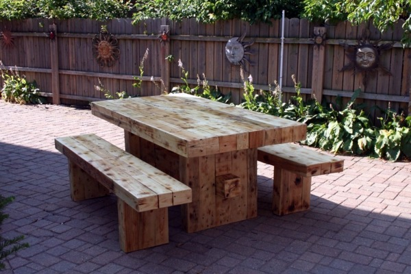 Dining Table With Bench In Euro Pallets Practical