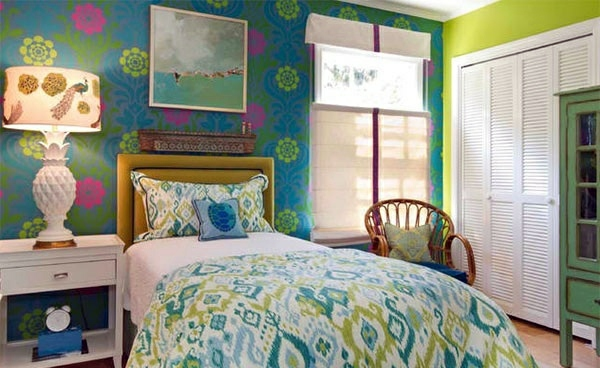 Bedroom colors ideas blue and bright lime green for Bright bedroom wallpaper