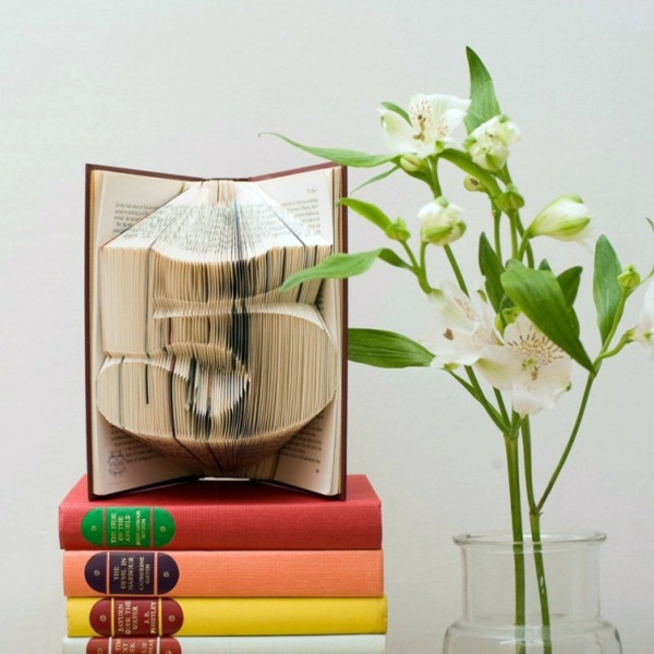 20 decorating with books are you crazy about books for Interior design decoration book