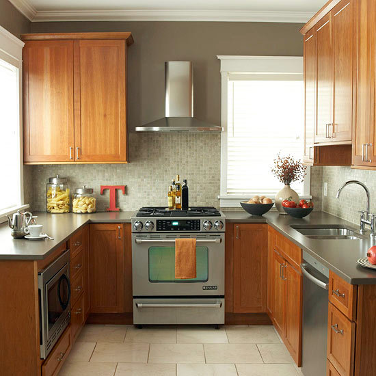 Small But Striking U Shaped Kitchen: Compact Kitchens That Make The Small Space Look Bigger